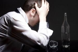 Почему после алкоголя болит голова?