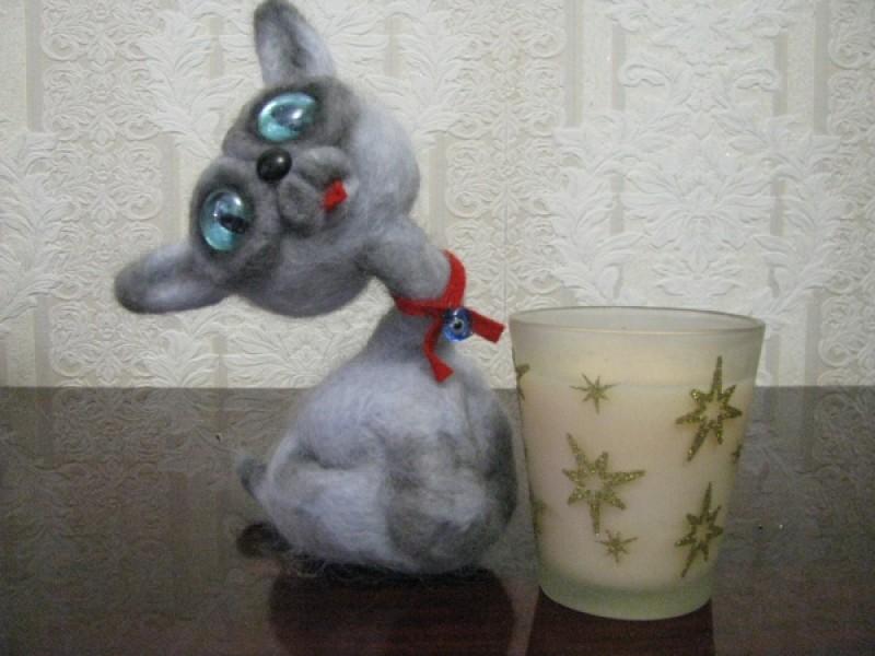 Игрушка интерьерная кошечка  капризная Фрося.