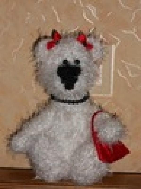 Авторская игрушка Белая медведица