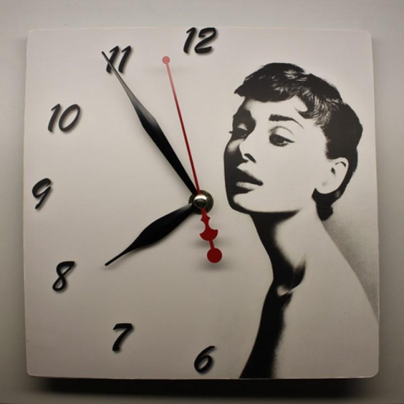 Часы из серии Кумиры ХХ века
