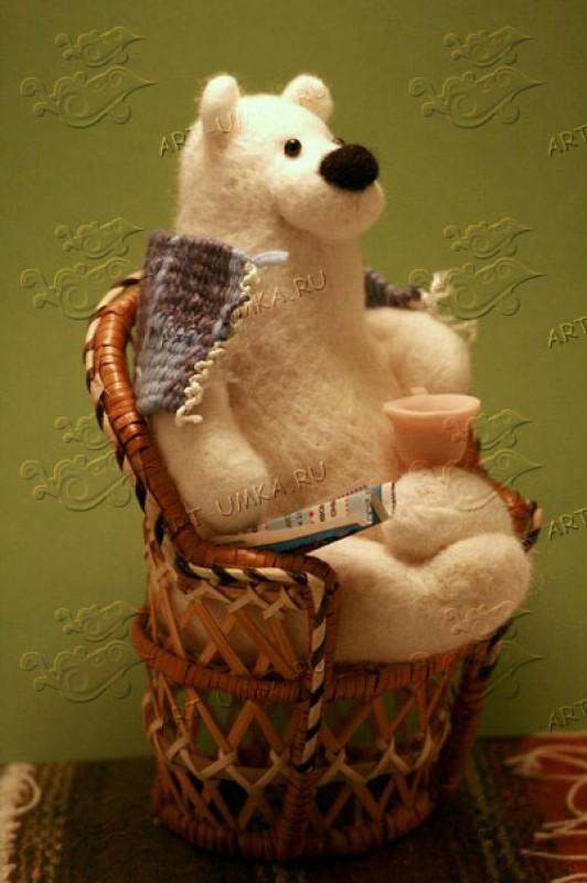 Авторская игрушка из шерсти Белый медведь
