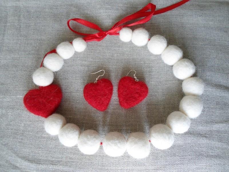 бусы Любовь к белому