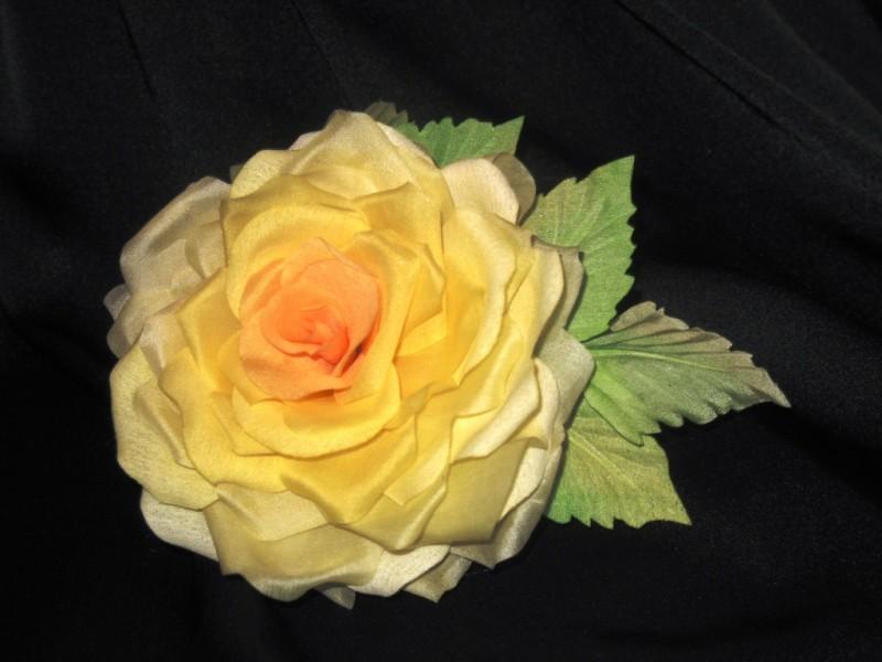 Роза из шелка, брошь-заколка