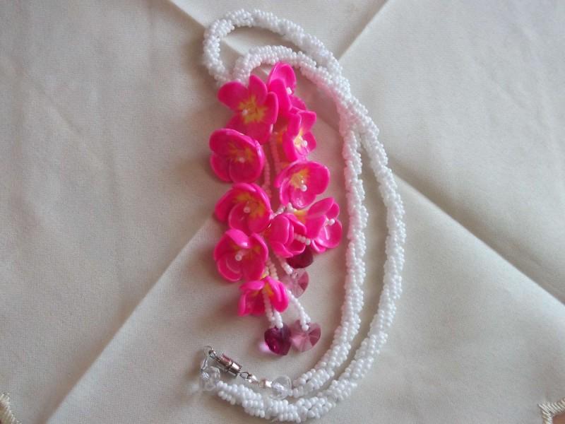 бусу цветущая сакура