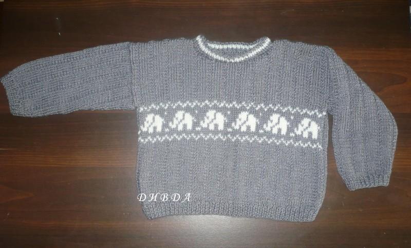 Мягкий, теплый свитер на ребенка 2-3х лет.