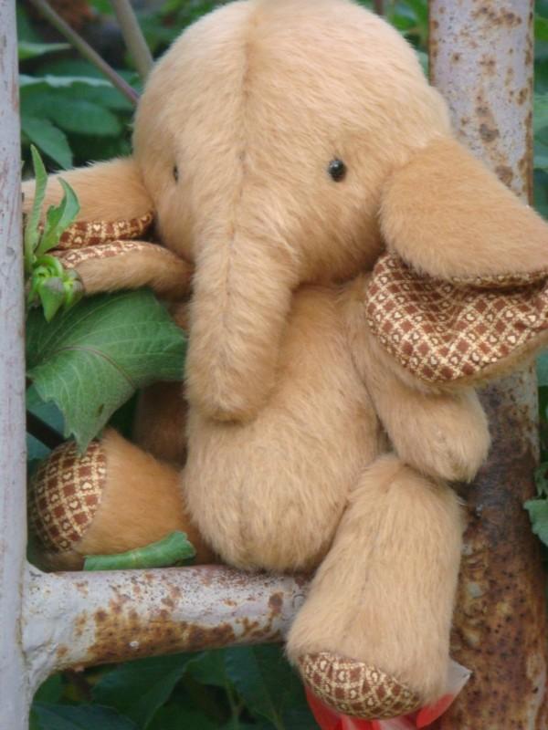 Авторская игрушка Слоненок Снешка