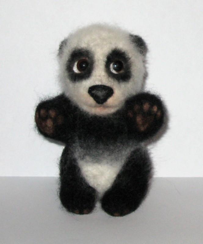 Панда Шалун. Валяная авторская игрушка.