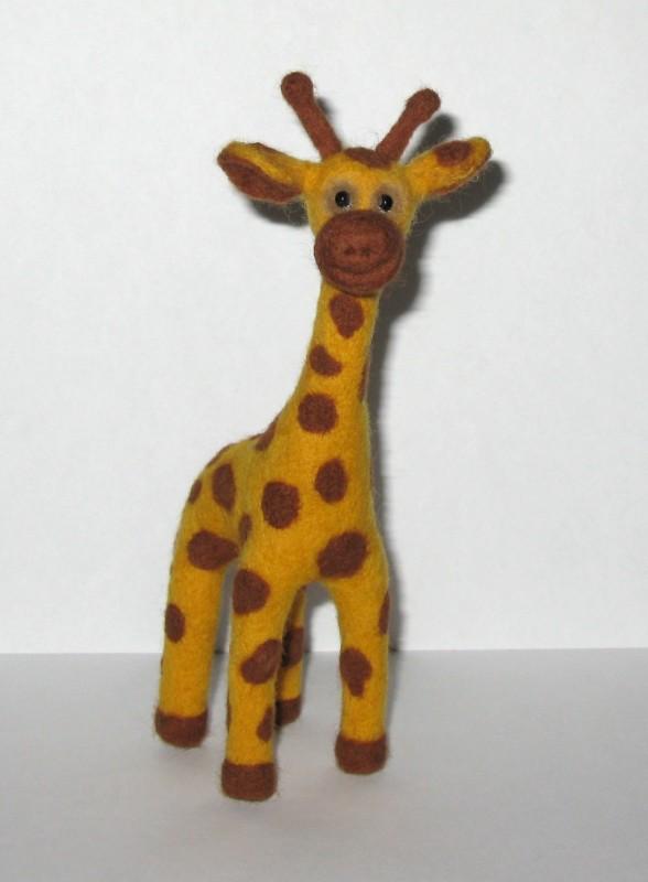 Жираф Жорик. Валяная авторская игрушка.
