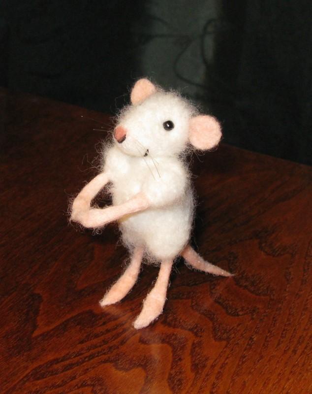 Мышь Пушинка. Валяная авторская игрушка. ПРОДАНА!