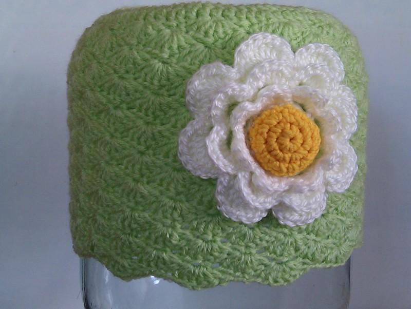 Салатовая шапочка с цвеком
