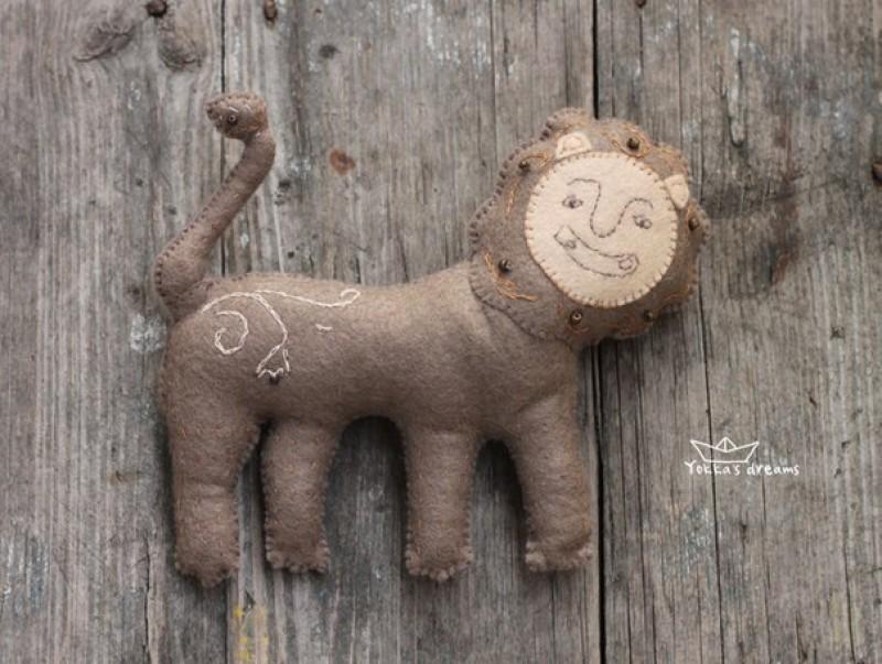 игрушка Лев (для примера)