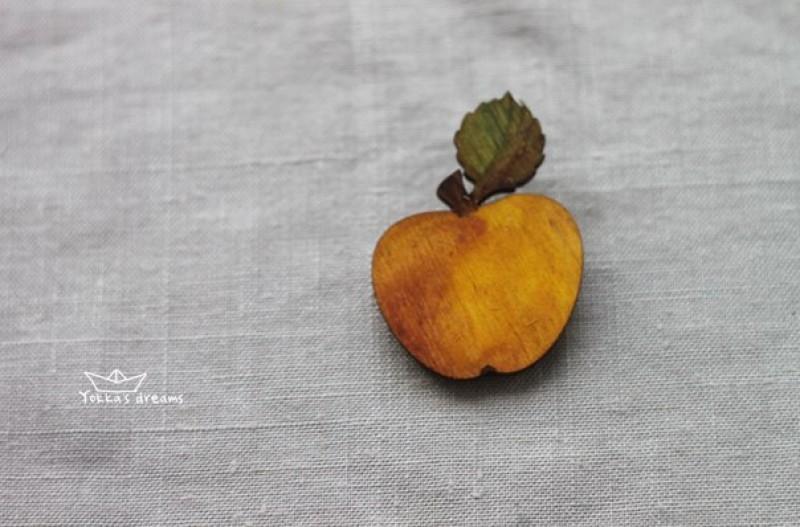 Брошь Спелое яблоко