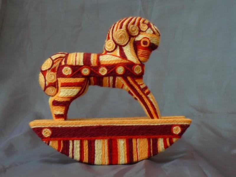 авторская игрушка Конь- качалка.