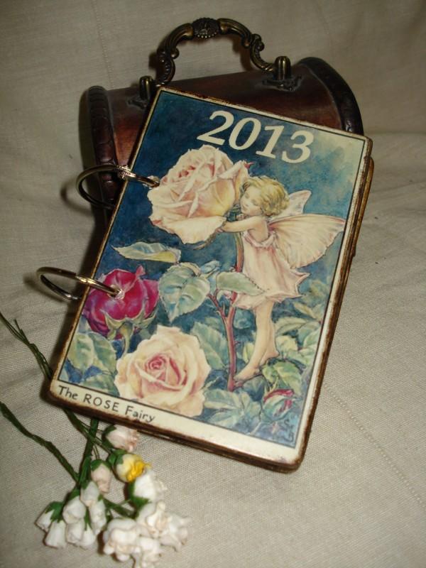 Перекидной настольный календарь в винтажном стиле Цветочные эльфы