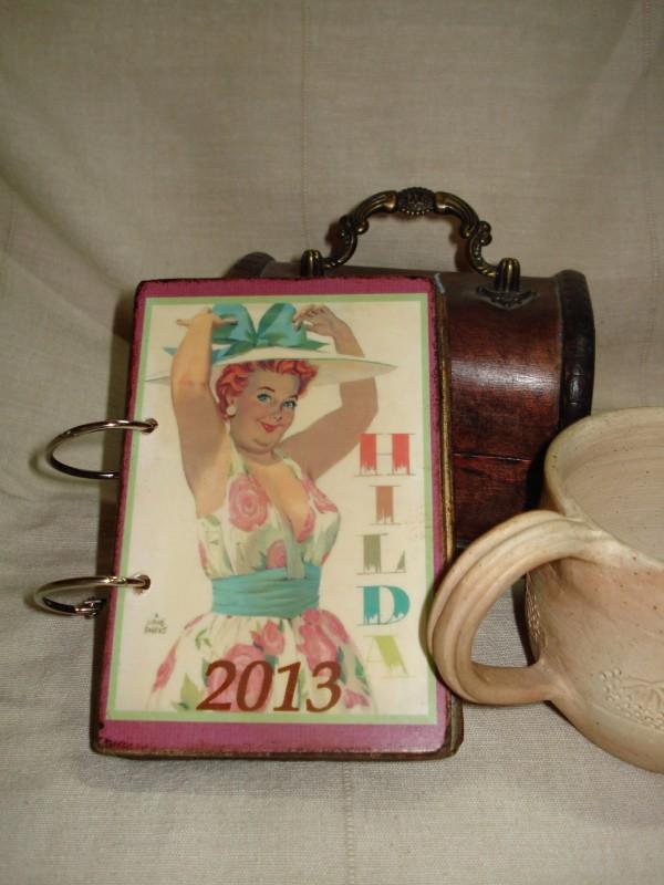 Перекидной настольный календарь в винтажном стиле Хильда