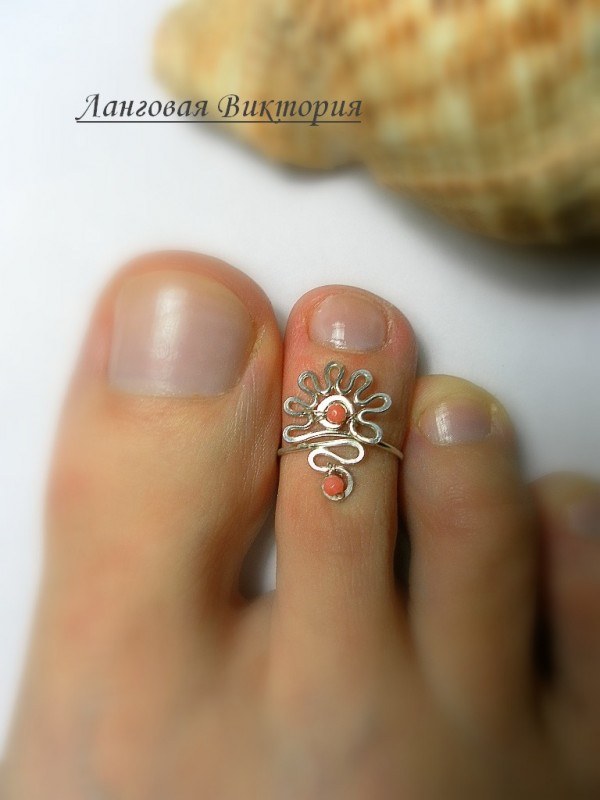 Кольцо на палец ноги.