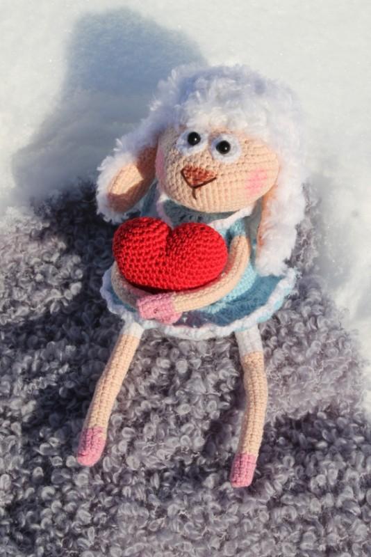 Вязаная овечка феечка