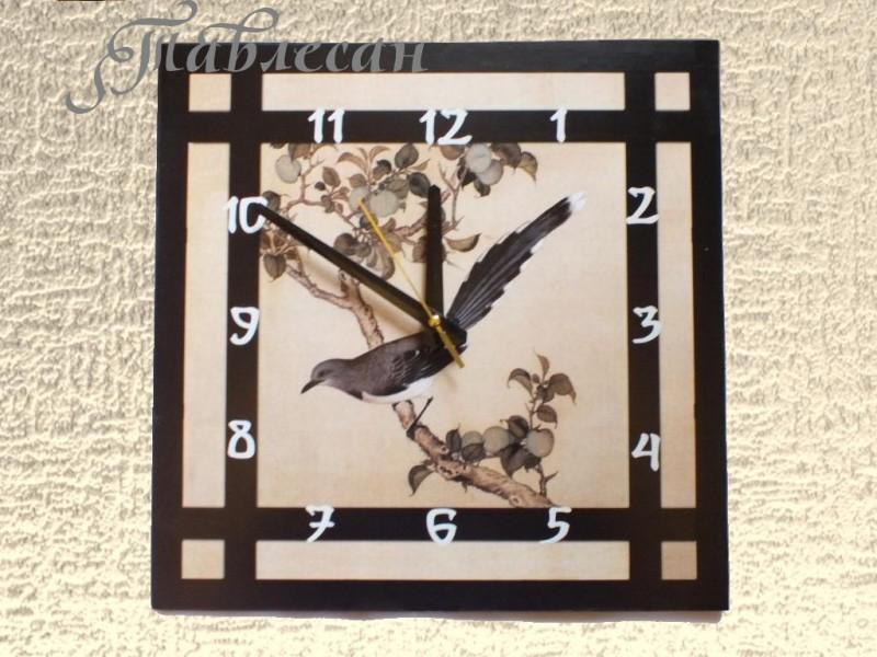 Настенные часы Сойка на ветке сливы
