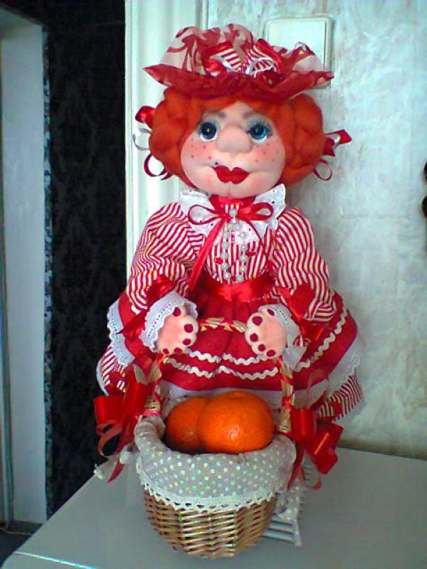 Кукла конфетница.