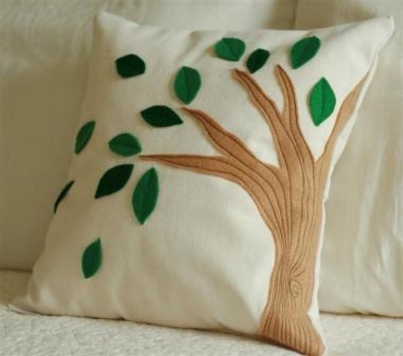 Декоративные подушки с аппликациями