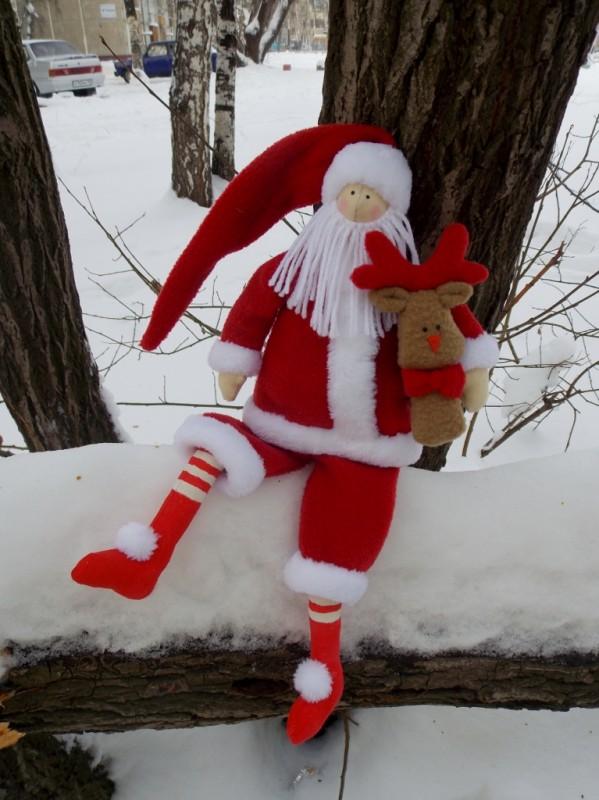 Санта Клаус с олененком