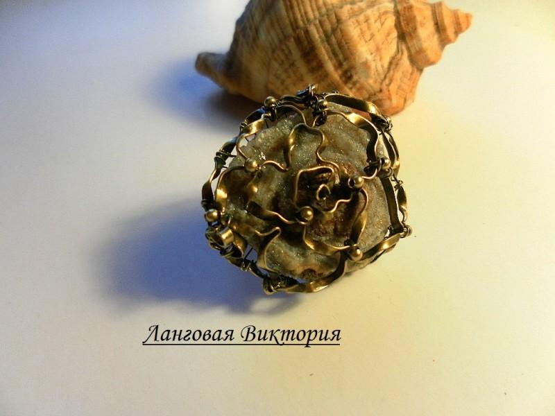 Перстень Халцедоновая роза.