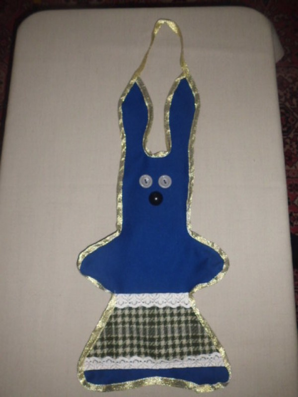 заяц в кармашком