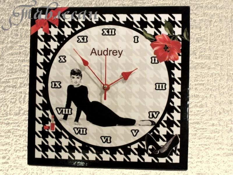 Настенные часы Одри квадратные