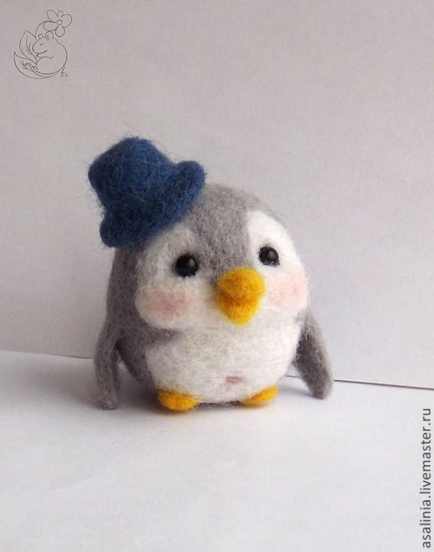 Пингвиненок в шляпе