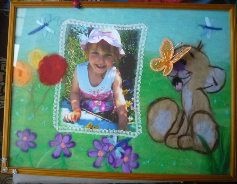 Оформление детского фото в шерстяную рамочку