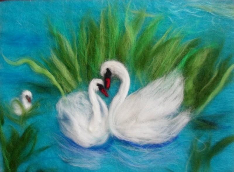 Лебединая верность,картина шерстью