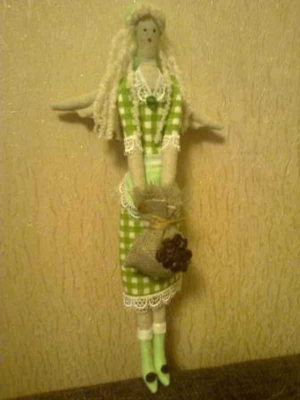 Кофейный ангел (зеленое платье)