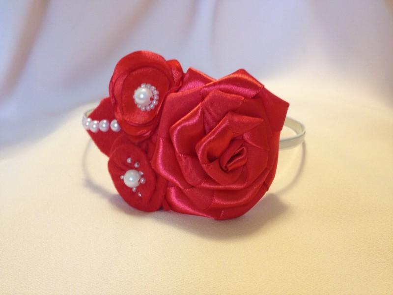 Ободок для волос с цветами Алые розы