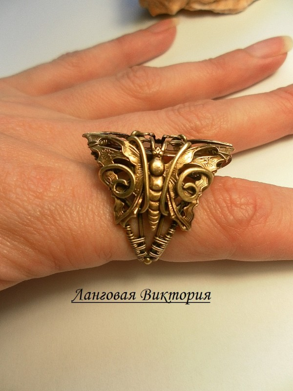 Перстень латунный агат.