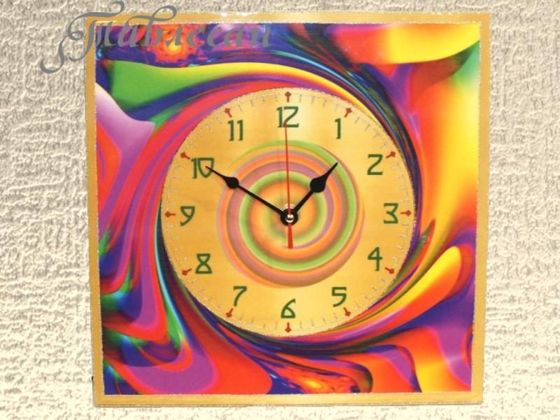 Часы настенные Северное сияние квадратные в гостиную