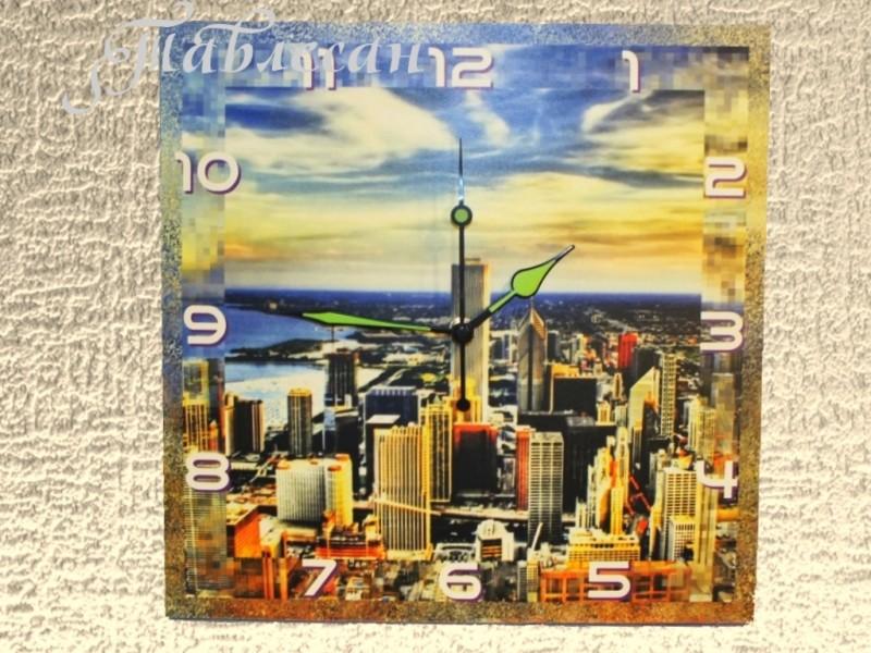 Часы настенные Городские джунгли квадратные в гостиную