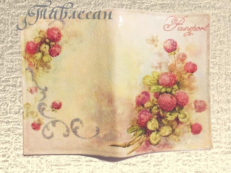 Обложка для паспорта Красный клевер кожа декупаж винтажная