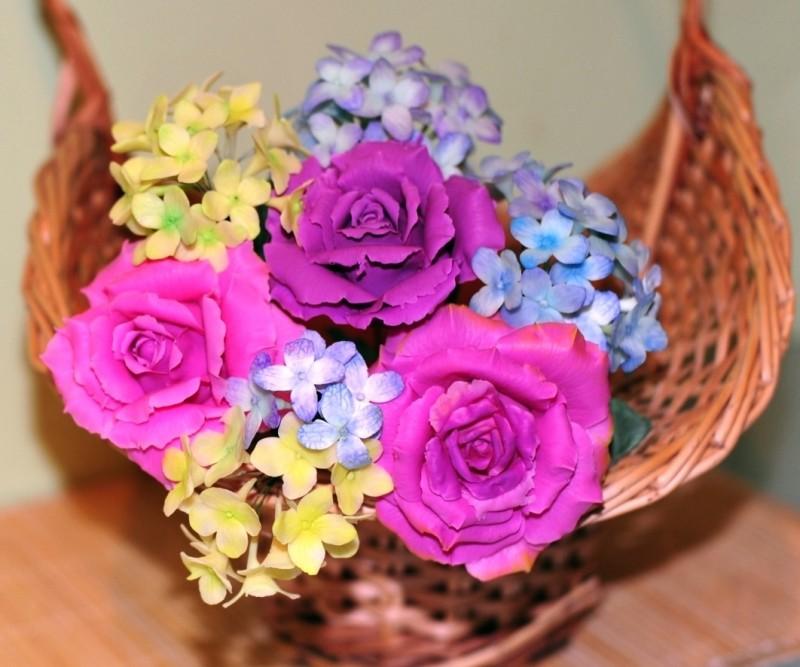 Букет из роз и гортензии ручной работы