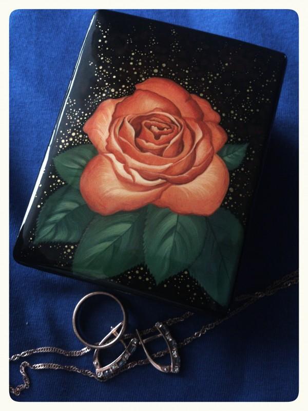 Шкатулка Красная роза.