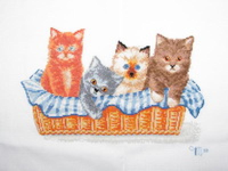 Вышитая картина Котята в корзине