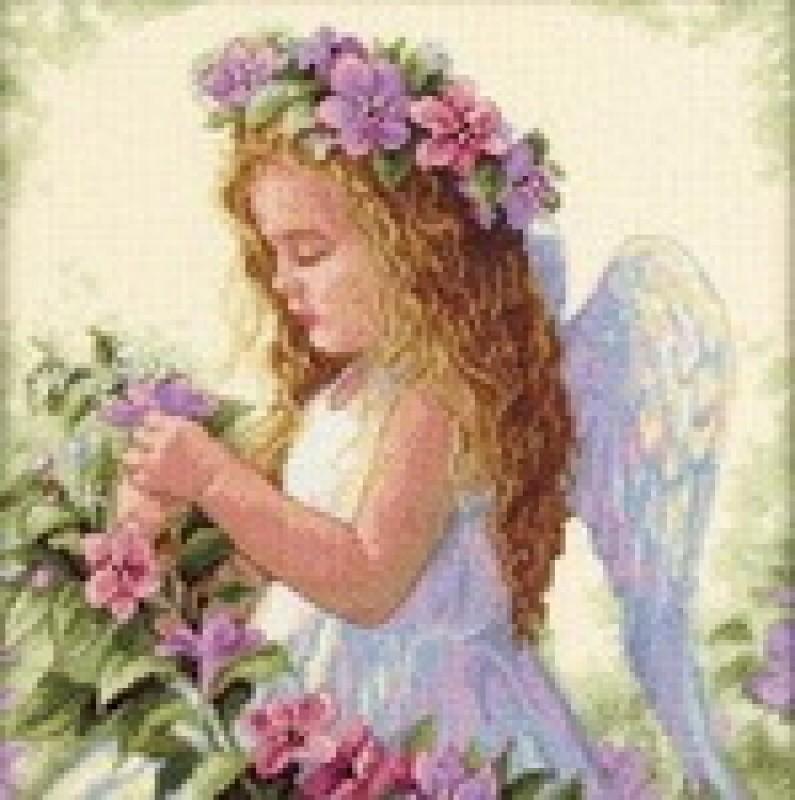 Вышитая картина Ангелочек в цветах