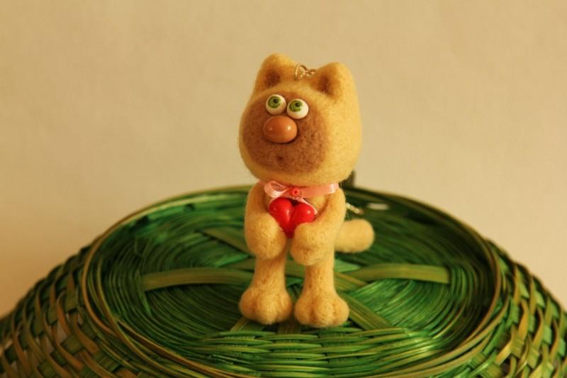Подвесная игрушка Котик