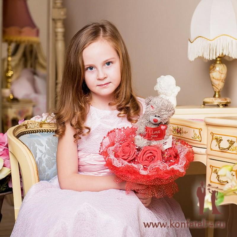 Детский букет из игрушки  Мишка Тедди с розами