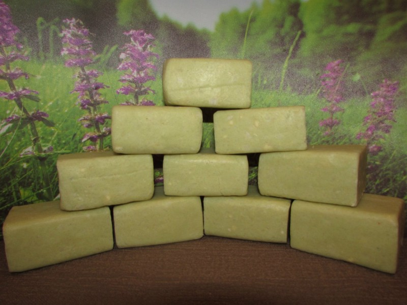 Натуральное мыло с запахом леса.