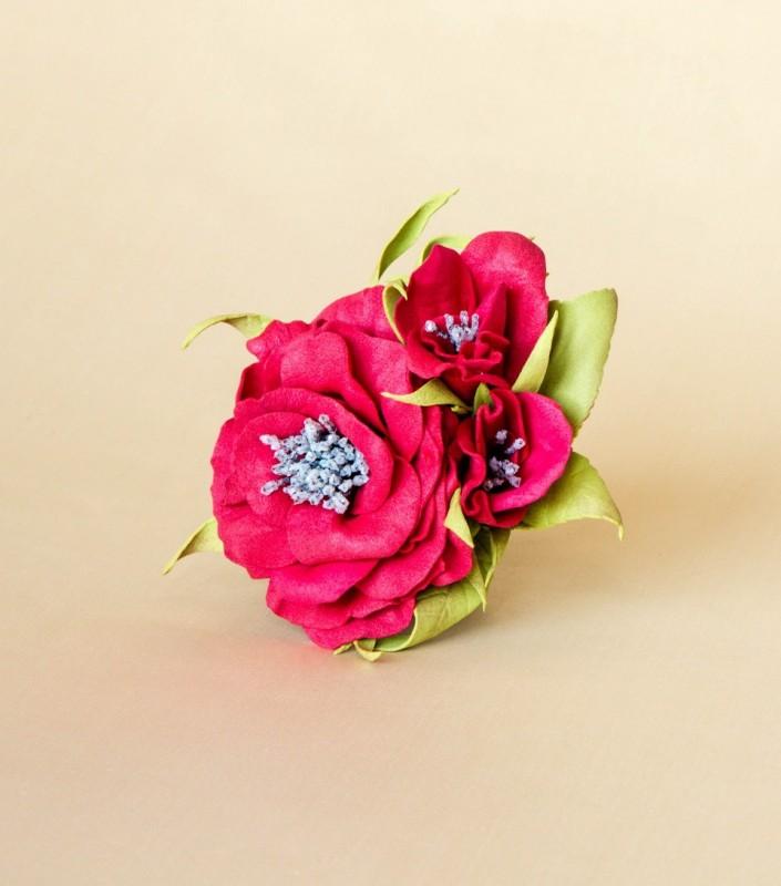 Брошь-заколка «Букетик алых роз».