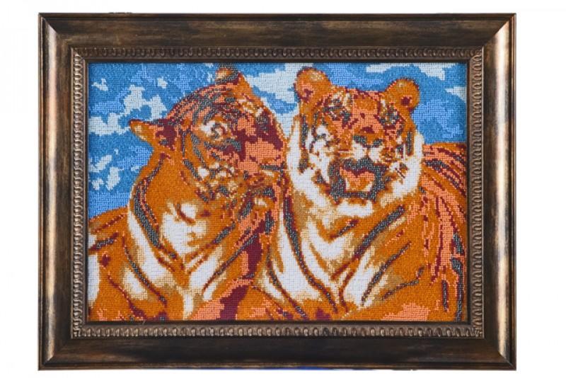 Картина вышитая бисером Тигриная нежность
