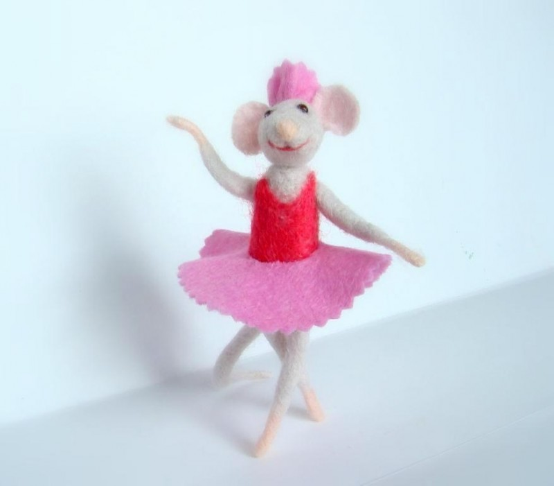 Ангелина балерина.