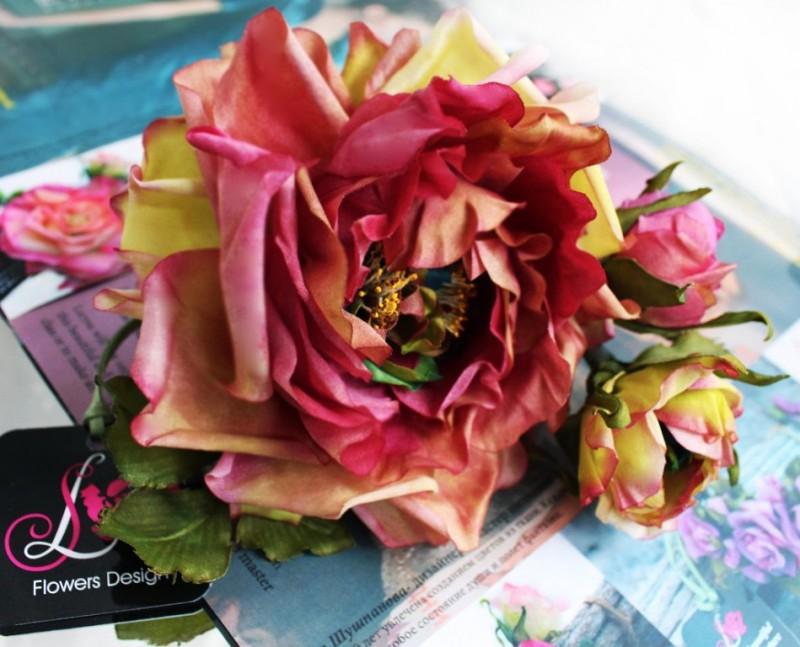 цветок из ткани брошь заколка Роза Цветик-Семицветик. Авторская работа
