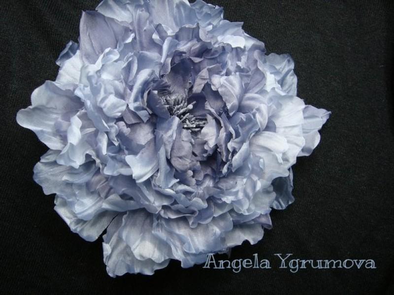 Японская пионовидная роза.