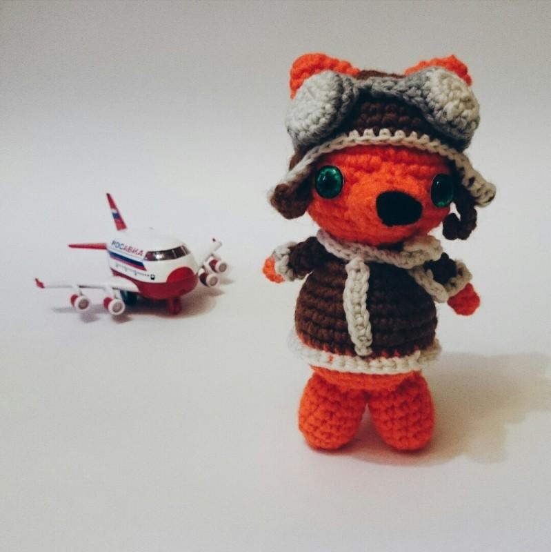 Лисенок пилот